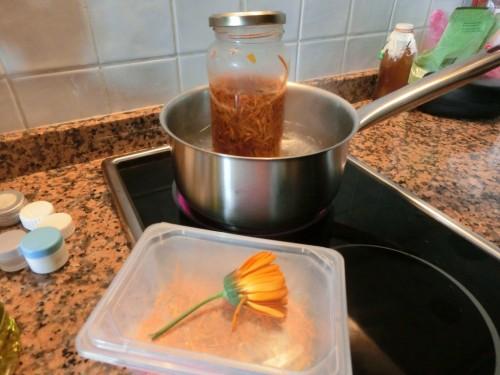 Calendula handcream making (Medium)